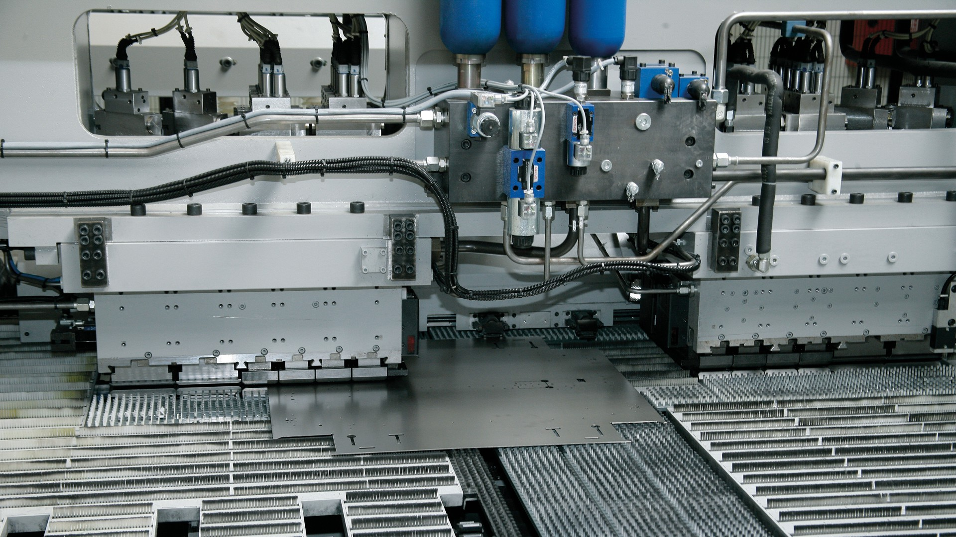 Automated Processing Of Metal Sheets Oms Lighting The